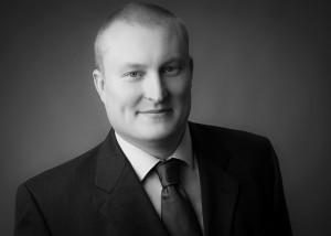Dr.  Pierre Karrasch